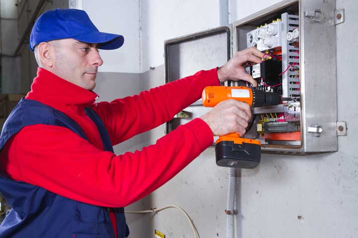 Tips For Local Electrician In Oklahoma City, OK To Grow Business